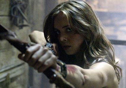 Eliza Dushku hunting