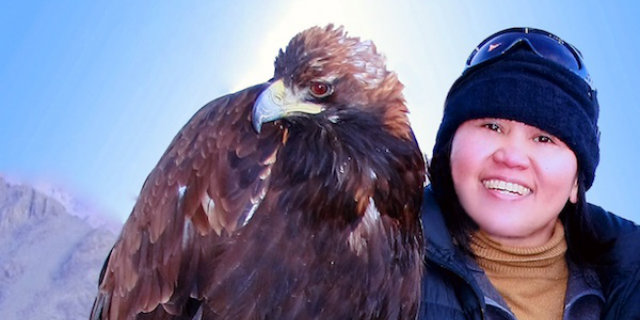 Hunting-with-golden-eagles-in-Mongolia